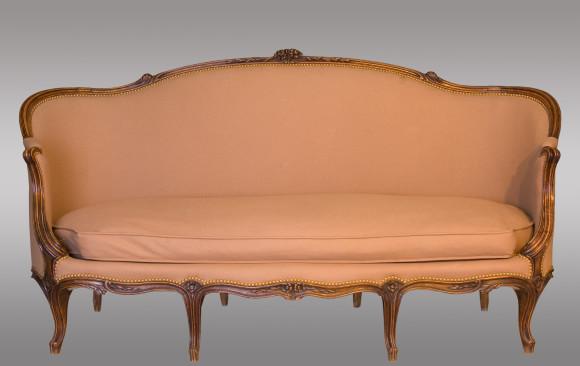 Dos Sofás Luis XV Franceses<br/>Siglo XIX
