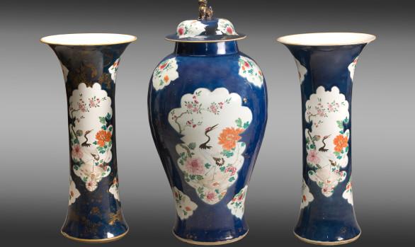 Tibor y Jarrones en porcelana China<br/>Época Kieng Lung (1735-1795)