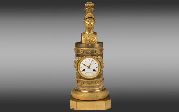 Reloj en bronce dorado<br/>Época Imperio