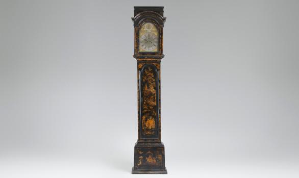Reloj Inglés de pie lacado con chinoiseries<br/>Hacia 1730