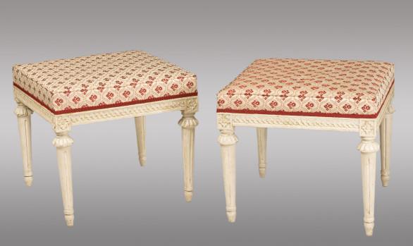 Banquetas lacadas en blanco Luis XVI Suecas<br/>Finales del Siglo XVIII
