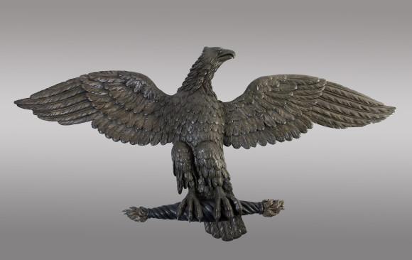 Gran Águila tallada en madera<br/>Principios del Siglo XIX