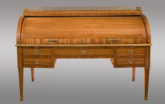 French rosewood cylinder Bureau<br/>Louis XVI Period