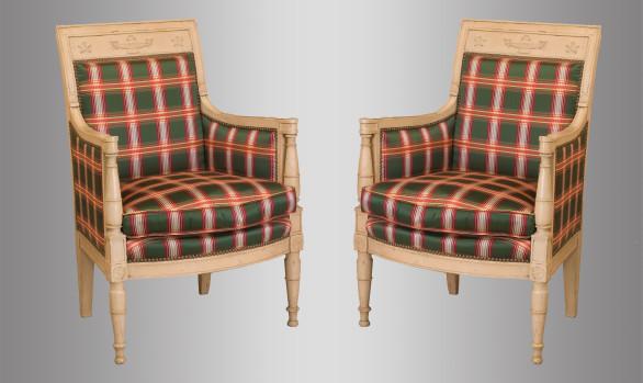 Butacas Francesas en madera pintada<br/>Época Directorio Hacia 1800