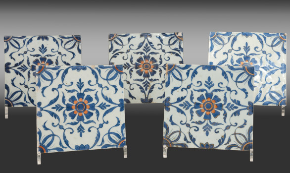 Very rare set of <br/>Five Chinese Porcelaine Tiles<br/> Eighteenth Century