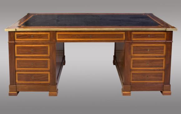 Mesa de despacho Francesa con pedestal<br/> Princípios del Siglo XIX