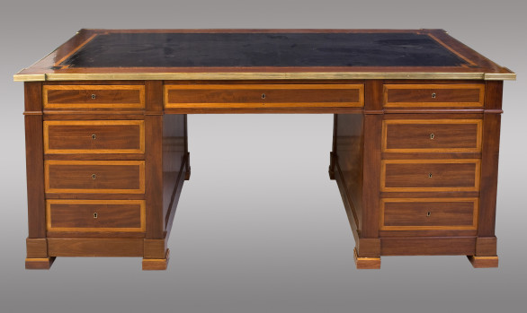 French Pedestal Desk<br/> 19th. Century