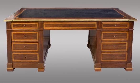 French Pedestal Desk<br/> 19th. Century