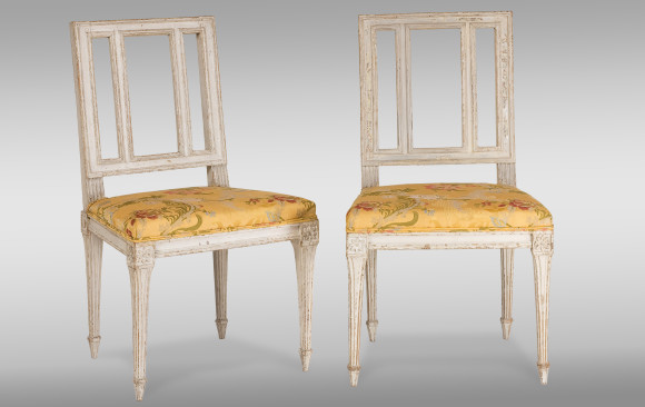 Dos Sillas Francesas de Época Luis XVI<br/> Siglo XVIII