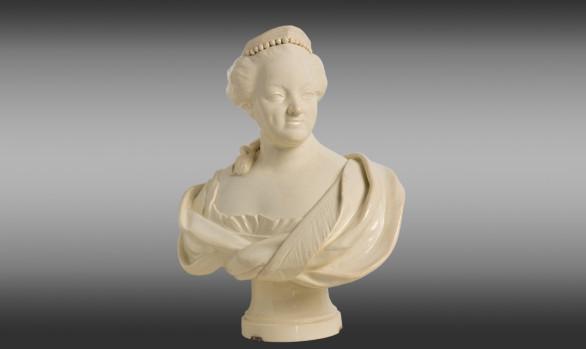 Busto de Catalina II de Rusia <br/> en loza inglesa de Leeds <br/> Princípios del Siglo XIX