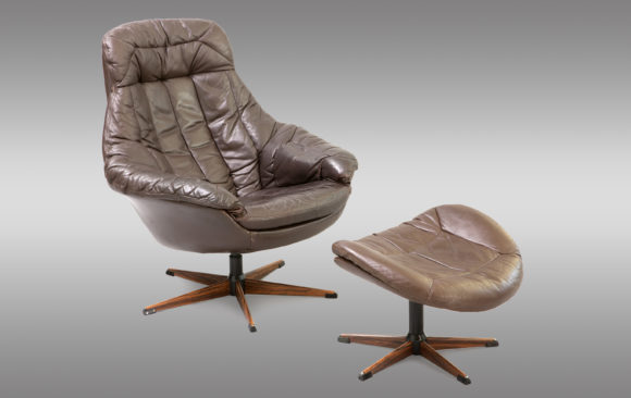 Lounge chair and stool<br/> Henry Walter Klein 1970